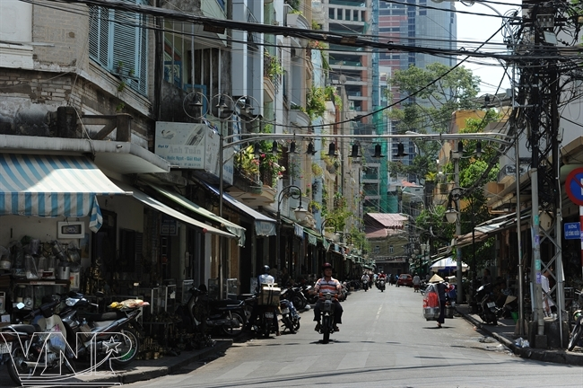La rue des antiquaires Lê Công Kiêu