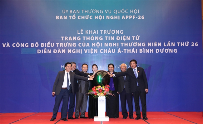 National Assembly Chairwoman Nguyen Thi Kim Ngan launched the official website of the 26th Asia-Pacific Parliamentary Forum (APPF-26) at a ceremony held in Hanoi on November 17. The website available at http://appf26.vn consists of seven main sections in Vietnamese and English to offer official and updated information on the event which will be held in Vietnam in January 2018. Delegations of participating countries and news agencies can also register to online conferences through the website. Photo: NA Chairwoman and other officials at the website launching ceremony. Photo: Trong Duc/VNA