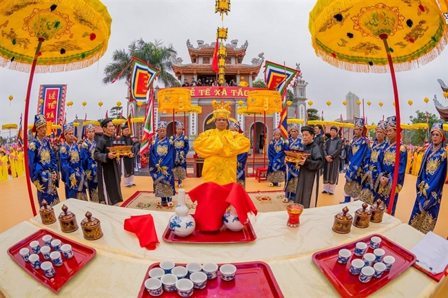 On March 17 Le Te Xa Tac (ceremony revering the Genies of Earth and Rice) a traditional farming ritual dated back from the Dinh dynasty was held in Mong Cai Quang Ninh province. The ceremony is one of cultural and tourism events of National Tourism Year 2018 in Ha Long Quang Ninh. Photo: VNA