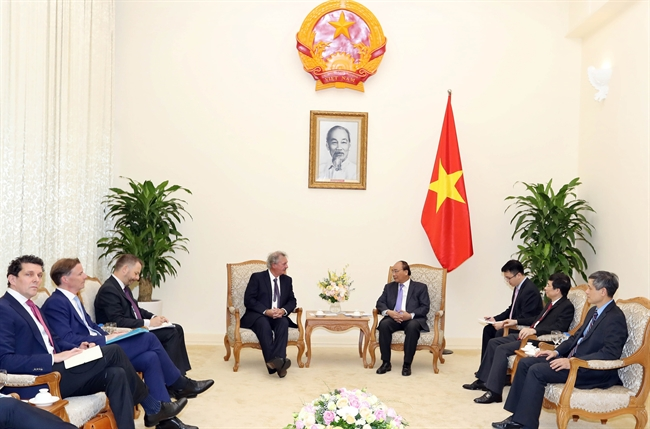 Prime Minister Nguyen Xuan Phuc on June 14  hosted a reception in Hanoi for Minister of Foreign and European Affairs of Luxembourg Jean Asselborn who is currently on an official visit to Vietnam. Photo: Thong Nhat/VNA