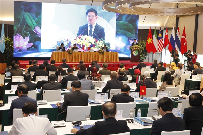 Within the framework of the 14th Assembly of the Asian Organisation of Supreme Audit Institutions (ASOSAI) the 53rd meeting of Governing Board of AOSAI took place in Hanoi on September 22. In the photo: ASOSAI Chairman in the 2018-2021 term Ho Duc Phoc who is also Auditor General of the State Audit of Vietnam (SAV) speaks to open the meeting. Photo: Lam Khanh/VNA