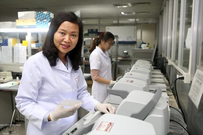 Bác sĩ Trần Vân Khánh và hành trình giải mã gen chữa bệnh nan y