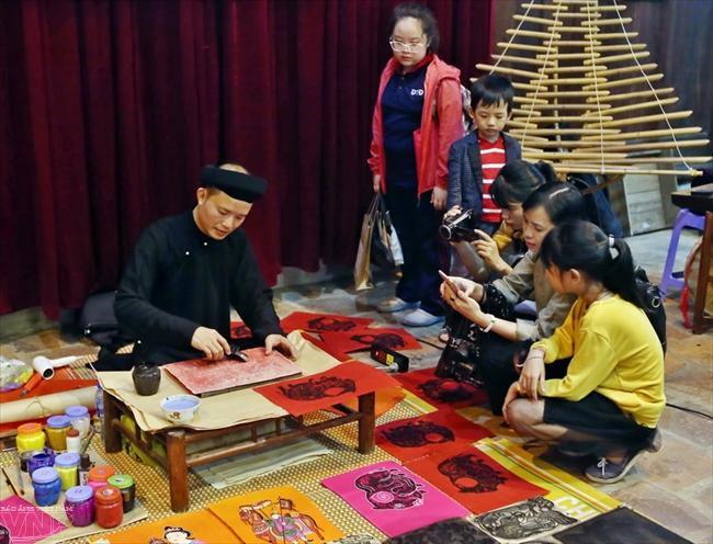 Живучесть народного творчества  в традиционных лубках деревни Кимхоанг