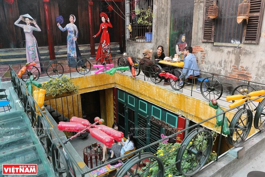 ハノイにおけるリサイクル喫茶店
