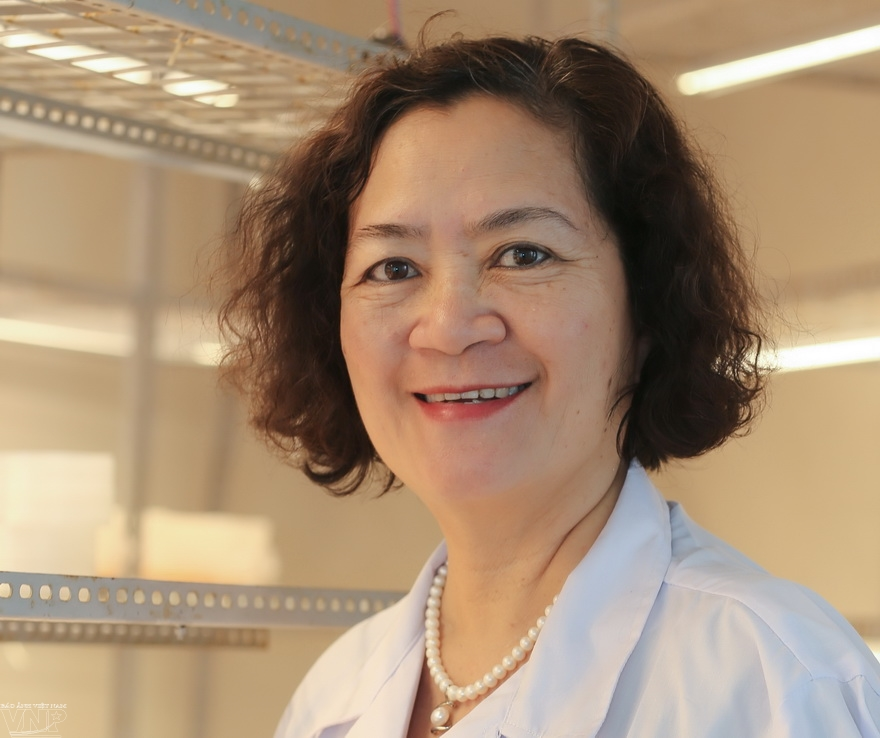 Dr. Le Mai Huong a chemist of nature