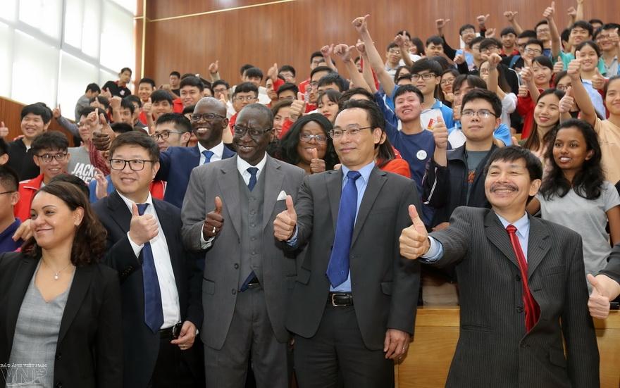 世界银行资助提高大学教育质量
