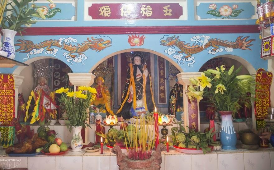 바 사당(Miếu Bà)에서 펼쳐진 남부 지역의 민속공연
