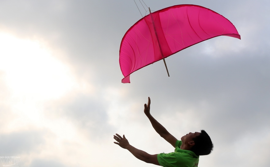 Kite flying festival honors a centuries-old tradition