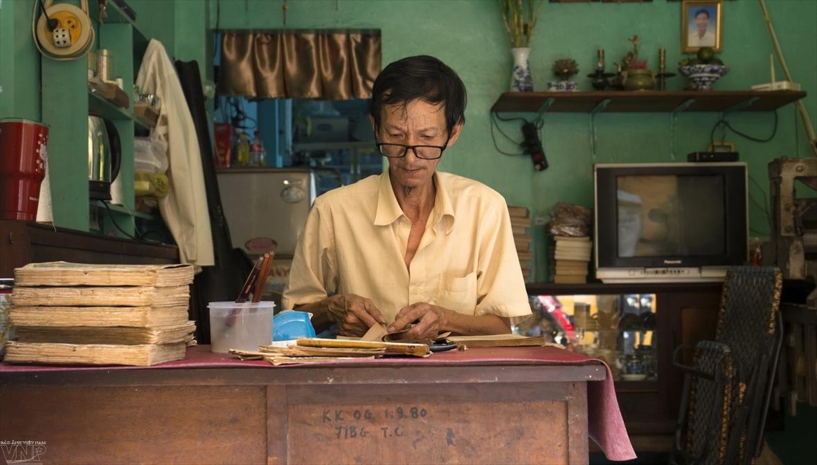 El último médico de libros en Saigón