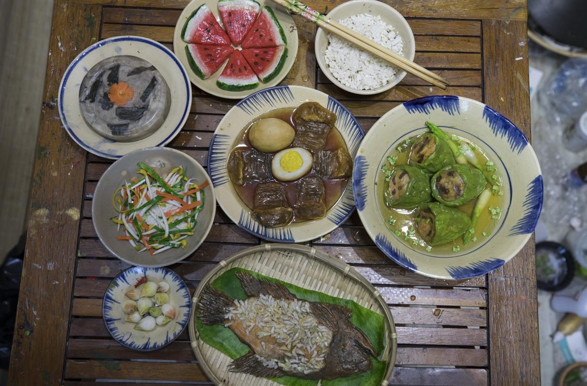 粘土で作った伝統料理の模型