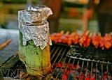 Курица жаренная в бамбуковых стеблях