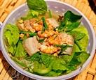 Мягкая рисовая вермишель с мясным салатом – блюдо жителей города Митхо