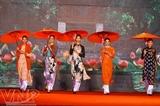Показ мод Вьетнамское платье аозай на протяжении веков
