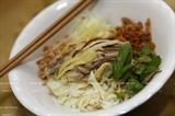 Мягкая рисовая вермишель с мясом курицы – деликатес Ханоя.