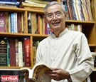 40年間ベトナムの海域と島を研究するグエン・ニャー博士