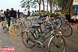 La conveniencia de bicicletas viejas en Hanoi