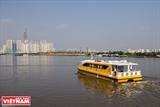 水上バスを利用するサイゴン市民