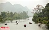 La pagode de lEmpreinte parfumée - une destination incontournable au printemps