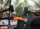 Le village des forgerons de Nhi Thanh fait résonner sa réputation