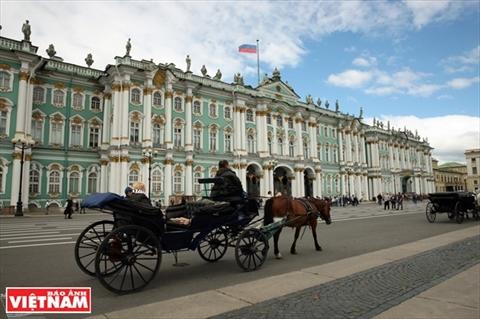 ទីក្រុង Saint Petersburg -មានសំណង់ល្អប្រណិតឯករបស់ប្រទេសរុស្ស៊ី