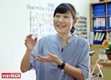 Tsuchiya Akari a teacher for Vietnamese pre-schoolers