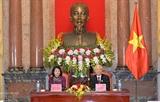 Генсек ЦК КПВ президент СРВ провел рабочую встречу с членами Канцелярии президента СРВ