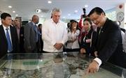 Presidente de Cuba visita el Parque de Alta Tecnología en Ciudad Ho Chi Minh