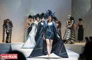 越‐日友好の意を表した「Spectrum」ファッションショー