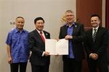 Việt Nam trao văn kiện phê chuẩn CPTPP cho New Zealand