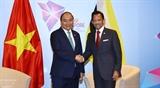 Двусторонние встречи Премьер-министра Вьетнама в кулуарах 33-го саммита АСЕАН