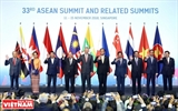 Le 33e  Sommet de lASEAN ou la force du  faisceau de baguettes