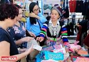 少数民族の手工芸品村の祭り