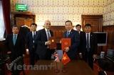 Việt Nam-Anh ký Bản ghi nhớ về hợp tác phòng chống mua bán người
