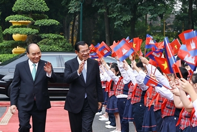Cambodian PMs visit enhances bilateral friendship and comprehensive cooperation