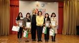 Награждение вьетнамских русистов грамотами РУДН