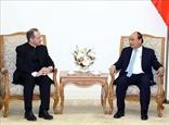 Премьер-министр CPВ принял Заместителя секретаря Ватикана по отношениям с государствами