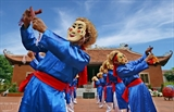 Mysterious Xuan Pha dancing