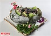 Stewed black chicken with winter melon