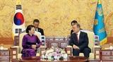 Председатель НС Нгуен Тхи Ким Нган встретилась с Президентом РК Мун Чжэ Ином