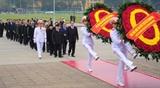 Руководители Партии и Государства Вьетнама почтили память Президента Хо Ши Мина