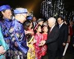 Tổng Bí thư chung vui cùng người dân Thủ đô chào đón Giao thừa