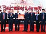 Thủ tướng thăm và chúc Tết Tổng Liên đoàn Lao động Việt Nam