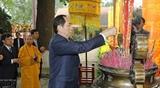 Президент Чан Дай Куанг зажег благовония по случаю начала весны 2018 года