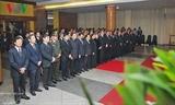 Вьетнамцы и зарубежные друзья приходят на прощание с экс-премьером страны Фан Ван Кхаем