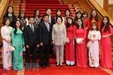 Супруга президента Республики Корея встретилась с вьетнамскими студентами