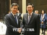 Выонг Динь Хюэ принял вице-премьера Республики Корея Ким Донг Ёна