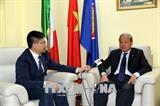 Вьетнам и Италия активизируют сотрудничество между районами двух стран