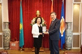 Глава МОБ Вьетнама То Лам посетил посольство СРВ в Казахстане