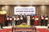20 человек удостоены памятной медали за вклад в деятельность ЮНЕСКО во Вьетнаме