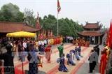 Растет число туристов и вьетнамских эмигрантов посещающих Храм королей Хунгов